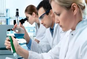 lab-researchers-e1386721905316-620x418